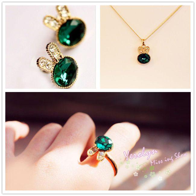 Rhinestone Rabbit Stretch Ring Pendant Necklace Ear Stud Earrings jewelry Set
