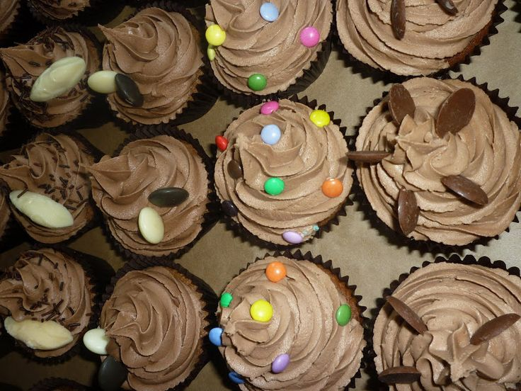 Get in touch with http://www.hilaryscupcakesliverpool.co.uk for tasty, cup cake colours, Baby shower cupcakes, creative cakes, flavours and toppings. Call now and check the wide variety of cakes right here!