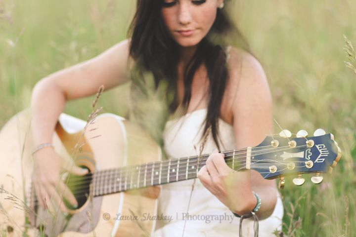 ©Laura Sharkey Photography  #Senior #Guitar