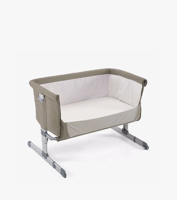 Chicco Next To Me co sleeping crib moses basket with side down