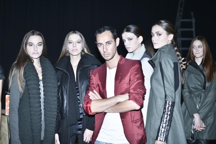 Pablo Gálvez y las modelos de Sedal en #VisteStgo