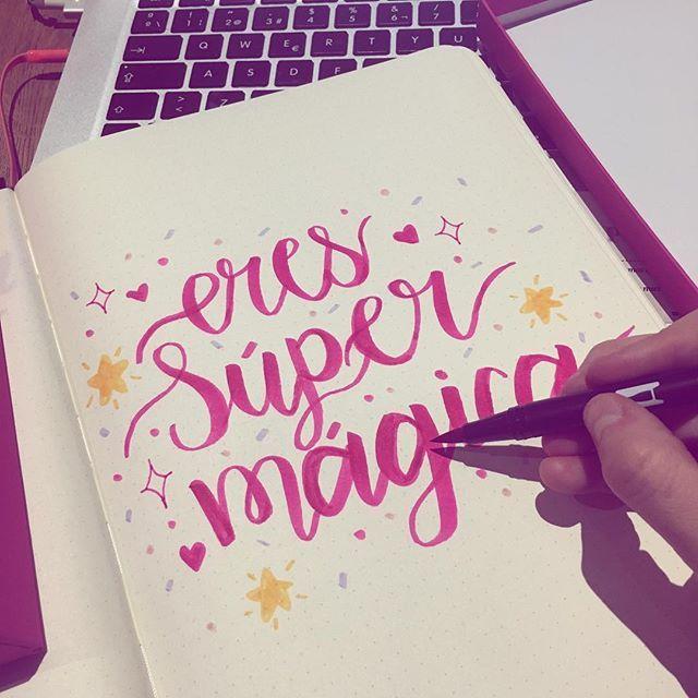 Estoy aprendiendo a hacer una nueva caligrafía . Me divierte mucho aprender cosas nuevas y retadoras. ¿Qué han aprendido últimamente? ✨