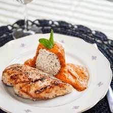Tinas salviakyckling med varm romanescosås - Recept - Tasteline.com