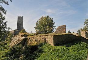 Věž zříceniny hradu Orlík  - u Humpolce| Turistický portál vítejte na Vysočině