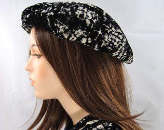 Gorgeous velvet beret