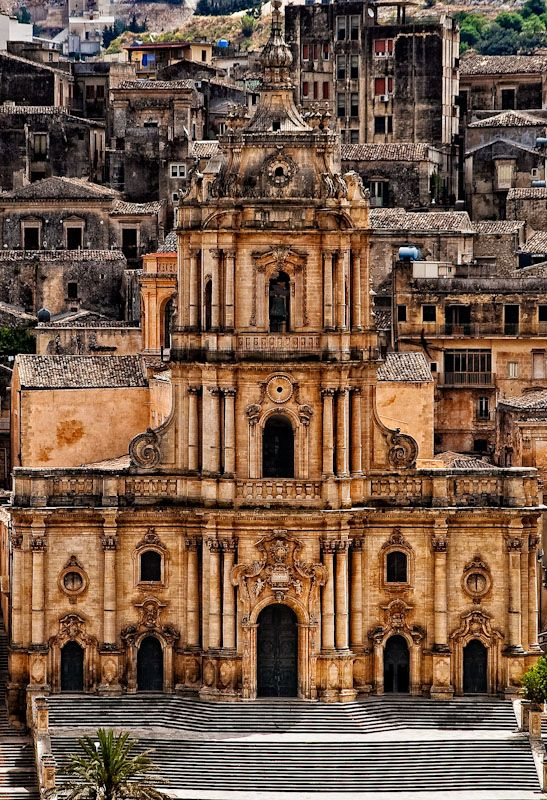 Modica San Giorgio cathedral, Sicily--Cool.  Perhaps I'll see this when I'm in Sicily in 2015.