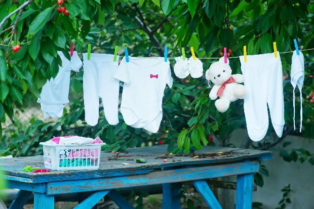 Vadítóan fehér lesz a ruha, jöhet az ecet! - https://www.hirmagazin.eu/vaditoan-feher-lesz-a-ruha-johet-az-ecet