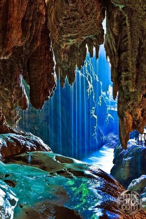 3.Iris Cave Monasterio de Piedra, Spain