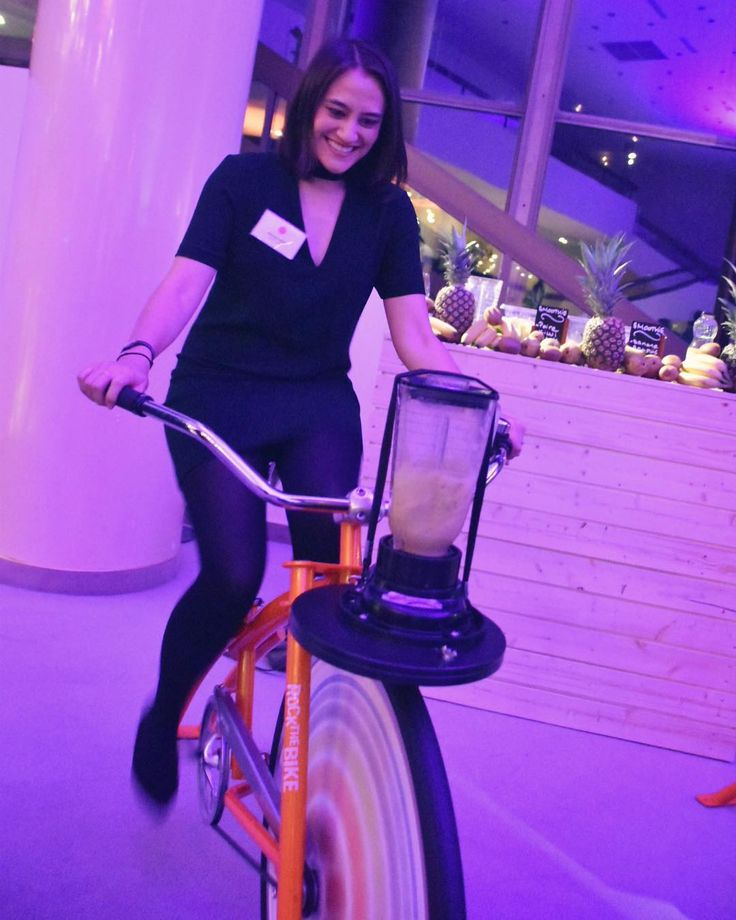 #throwbackthursday to biking my way to a fresh smoothie at the Monaco Tourism Night  If only we had one of these at the office!   . . . #greenenergy #dtcmeeting2017 #mcgreenglam #smoothie #bike #freshjuice #tbt #monaco