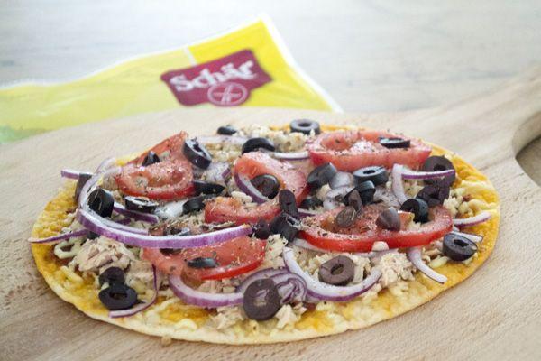Gezondere, makkelijke en glutenvrije pizza eten? Zie hier het recept van de tonijn wrap pizza met glutenvrije wraps van Dr Schär!