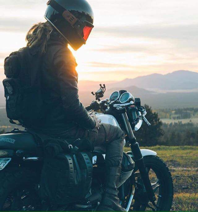 """Cafe Racer Pasión """"Amantes de las dos ruedas"""". Imágenes y vídeos sobre motos Cafe Racer, clásicas,..."""