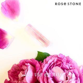 See the most exciting photos & stories taken by 小林大伸堂スタッフS (daishindo1893)   * 幸せな薔薇。 * * 6月2日は「ハッピーローズデー」なのだそうです。 バラに愛と感謝の想いを込めて。 * * #印鑑 #宝石印鑑 #ローズクォーツハイクォリティ #薔薇 #flower #幸せな人生 #薔薇色の人生 #プロポーズ #ウェディング #wedding #結婚 #結婚準備 #結婚式 #花嫁 #プレ花嫁 #bride #新生活 #新しい苗字 #ギフト #新婚 #福井 #鯖江 #小林大伸堂 #ローズストーン #rosestone #その一歩をあと押し #6月2日 #ローズデー #6ろ2ず #まさかの語呂合わせ⁉︎