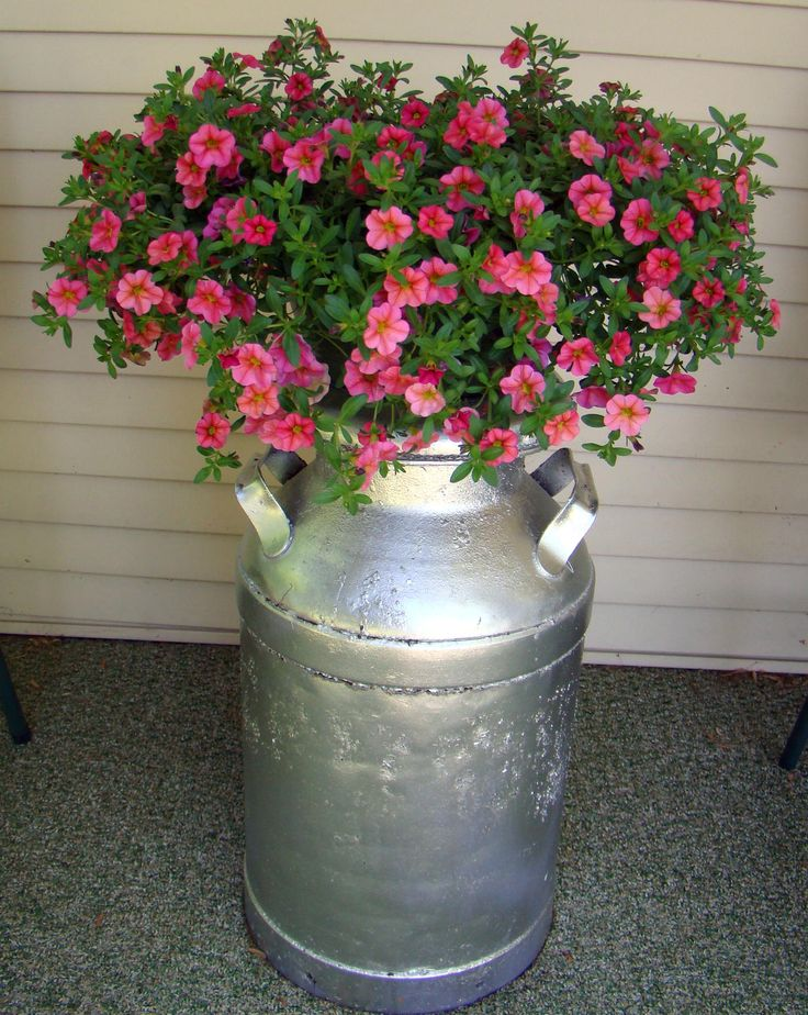Pin By Katherine Cornwell On Antique Milk Cans Milk Cans