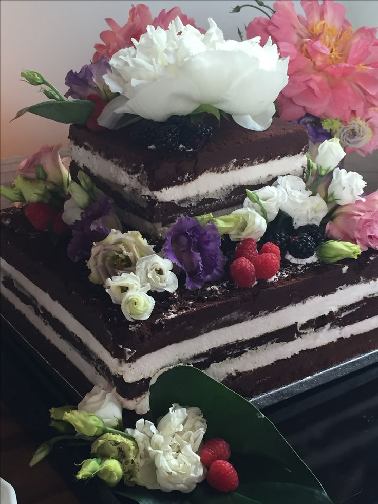 Squared naked cake