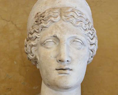 """1ro de Marzo Matronalia  En la Religión de la Antigua Roma la Matronalia (o Matronales Feriae) fue una fiesta romana que se celebraba en honor de Juno Lucina la Diosa del parto (""""Juno la que trae los niños a la luz"""") de la maternidad (mater es """"madre"""" en latín) y de las mujeres en general.  Es la fiesta de las mujeres casadas. Sus cónyuges hacen regalos a sus esposas y se celebran grandes banquetes. Según antiguos escritos los romanos invitaron a los sabinos a la fiesta de Consus en la cual…"""