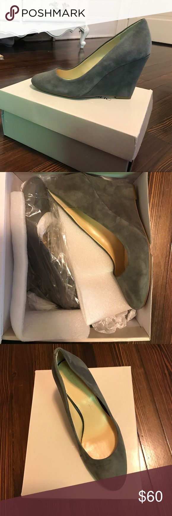 Brand NEW in Box BR Rorie Wedge Heel Gray suede (color name is Boulder) in Banana republic Rorie Shoe. Will ship with box upon request Banana Republic Shoes Wedges