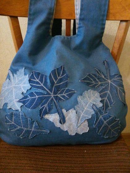 Купить или заказать Бохо сумка 'Листопад' в интернет-магазине на Ярмарке Мастеров. Сумка женская джинсовая с аппликацией в стиле бохо. сумка бохо, сумка аппликация, сумка джинсовая, бохо стиль, бохо шик, сумка хиппи, хиппи стиль, джипси…