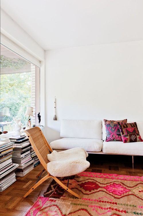 bohemian chic home - creamy white with rich bohemian patterns and prints.