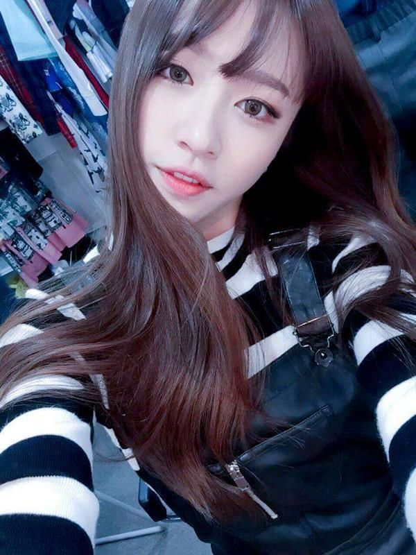 Hanidata A Style For You Facebook Selca Update Hani Asian Beauty Beauty Girl