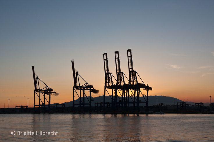 #Málaga #Port #sunset / All places of interest you'll find here: http://www.amazon.co.uk/M%C3%A1laga-Capital-Coast-Brigitte-Hilbrecht/dp/1517300533/ref=sr_1_1?s=books&ie=UTF8&qid=1456574193&sr=1-1&keywords=malaga
