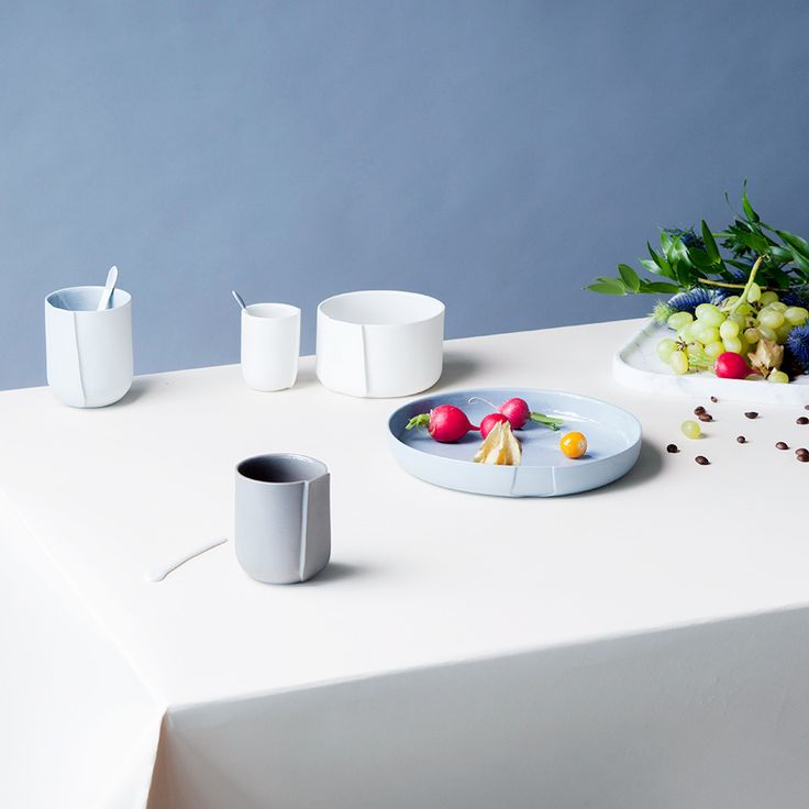 Porcelain with a Spatial Perspective