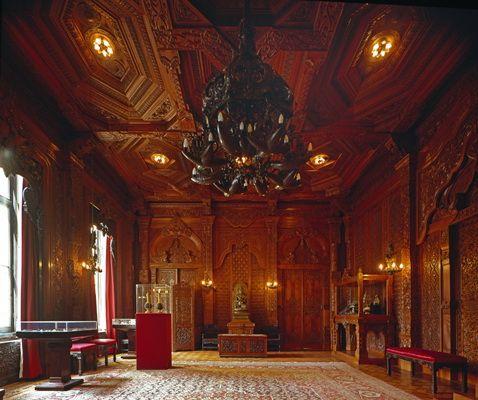 Paleis Noordeinde: Nederlands-Indië zaal;. Veertig houtsnijders hebben aan deze…
