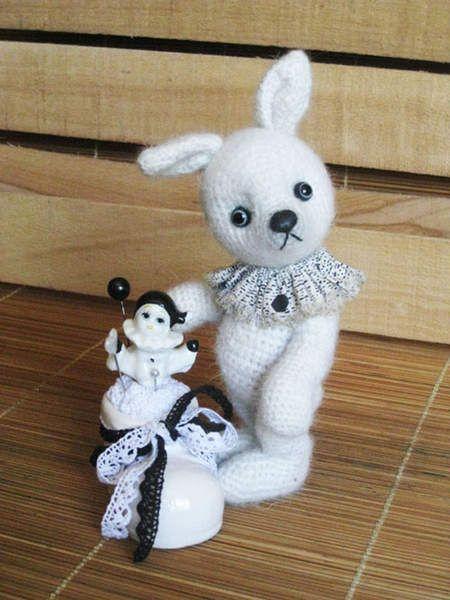 Bunny Kruglik by Tanja Borisova