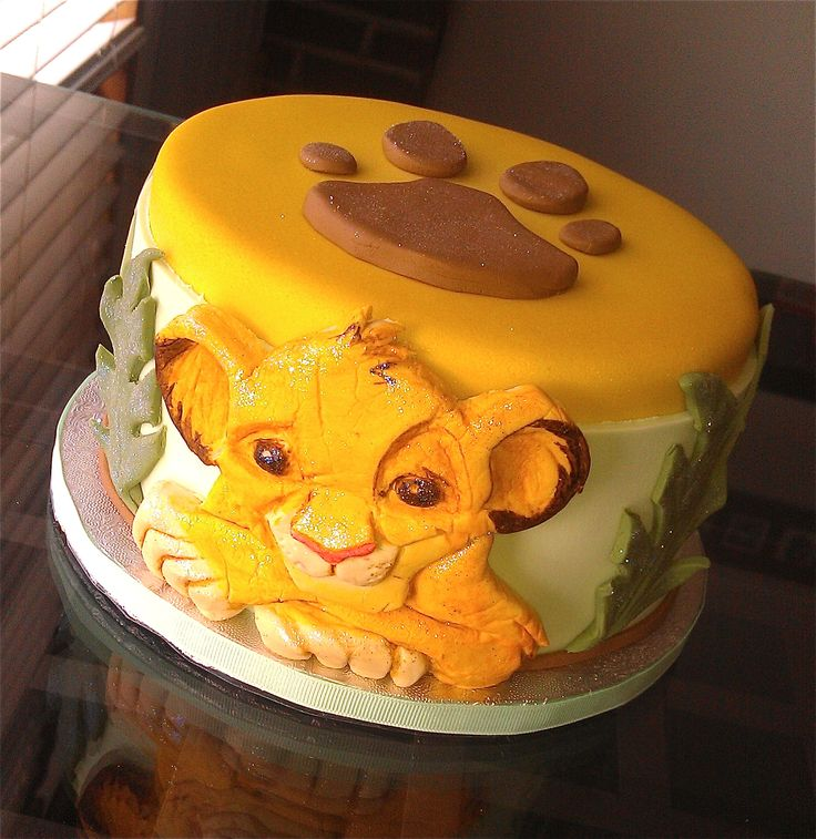 Simba cake for a Lion King party :D