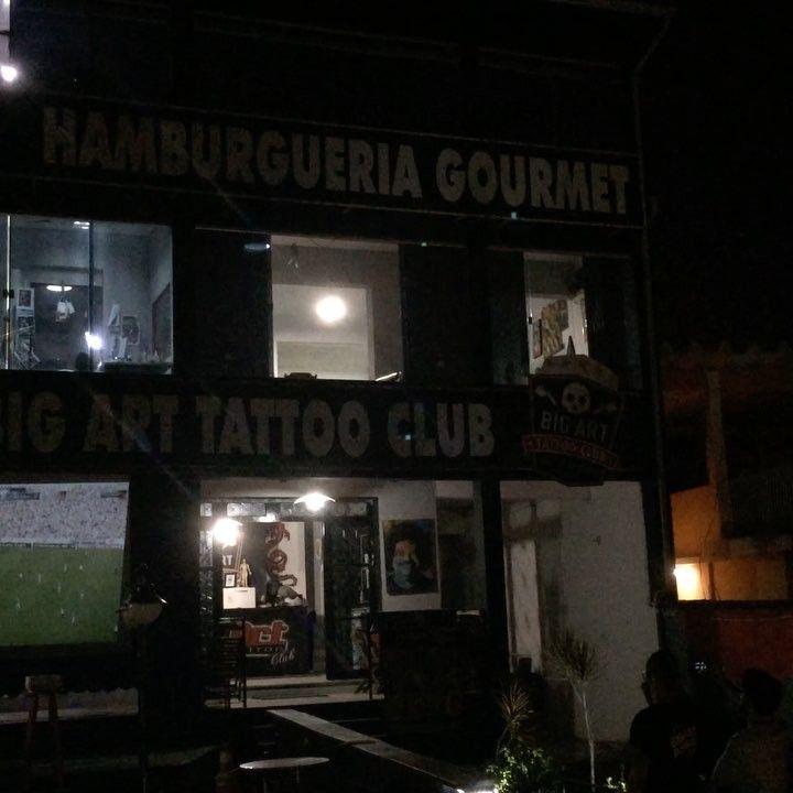 Vem assistir o campeonato brasileiro hoje no telão tomando uma cervejinha e comendo aquele hambúrguer artesanal que só o Big Art Tattoo Club tem!!!! 20% de desconto nas cervejas artesanais Mistura Clássica hoje jogo do Flamengo às 21h45