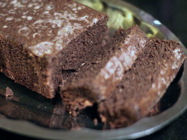 Şekersiz, yağsız ve unsuz kakaolu kek.