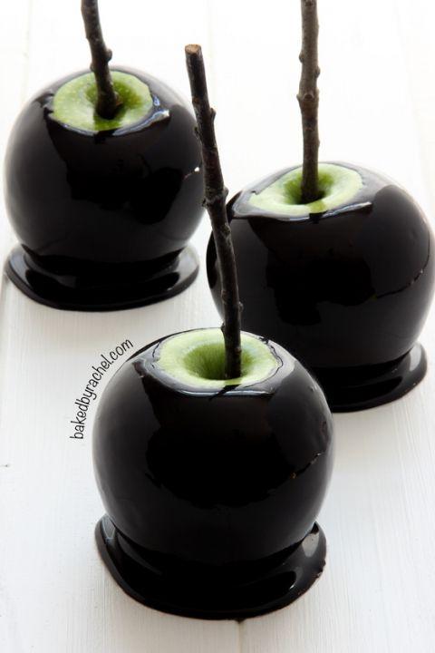 Recipe for Spooky black caramel apples recipe from @bakedbyrachel Perfect for Halloween!