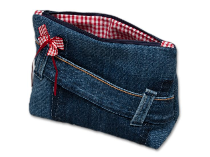 100791 Kosmetiktäschchen Used Jeans rot von KabiKaba auf DaWanda.com