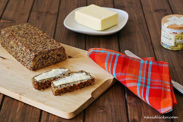 Seed and Nut Loaf / Ořechovo-semínkový chléb | Na vidličku food blog