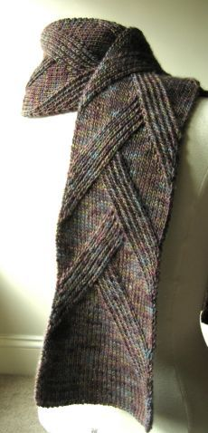Элегантный и уютный мужской шарф спицами
