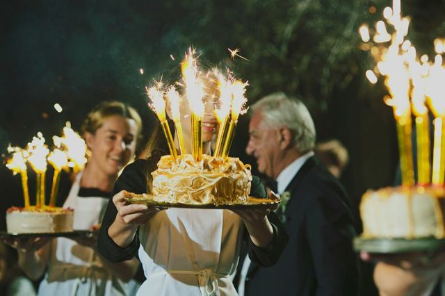 Now that's a cake!  Loaded with bottle #sparklers, this is an amazing way to make an entrance for a celebration.  To replicate this look, use #Champagne Bottle Sparklers from www.BuySparklers.com