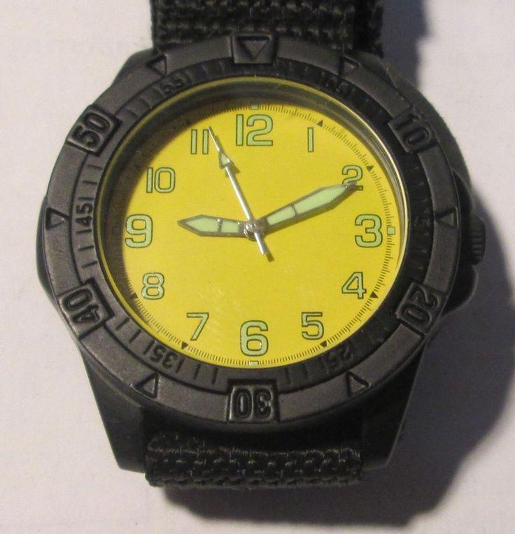 Men's Diving Velcro Band Wristwatch, 100ft Water Resistant