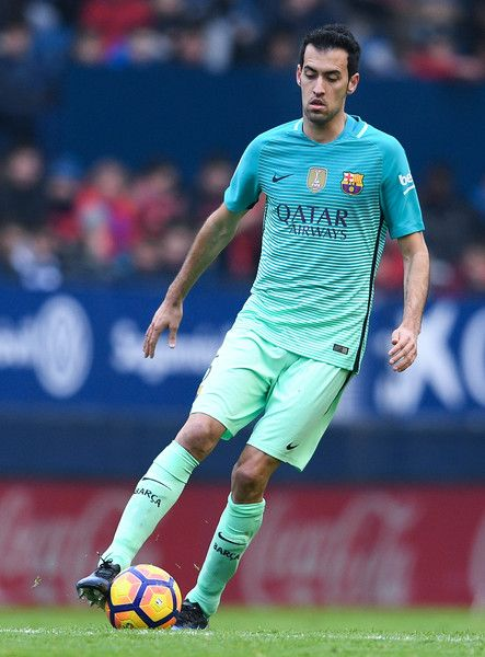 Sergio Busquets of FC Barcelona runs with the ball during the La Liga match between CA Osasuna and FC Barcelona at Sadar stadium on December 10, 2016 in Pamplona, Spain.