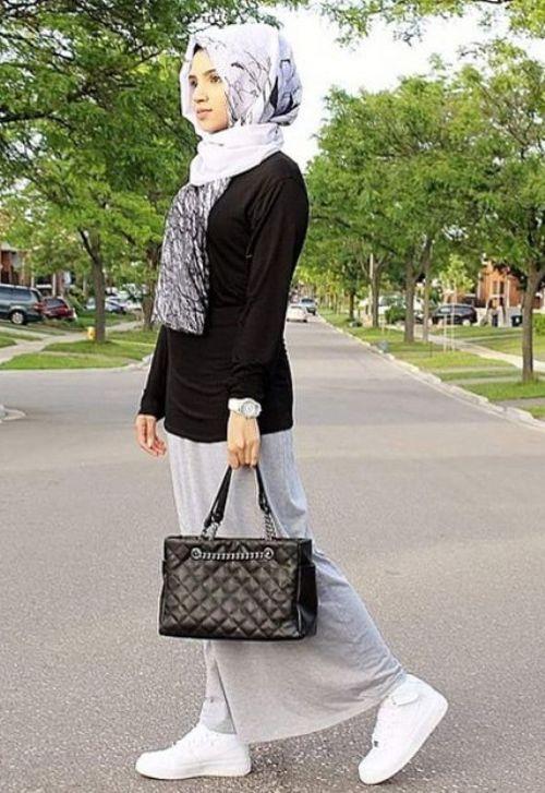 gray maxi skirt hijab look, Fall stylish hijab street looks http://www.justtrendygirls.com/fall-stylish-hijab-street-looks/