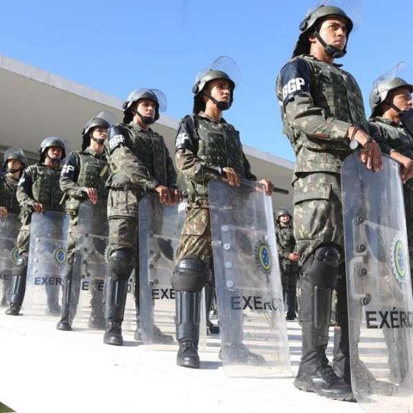 Temer revoga decreto que convocou Forças Armadas no DF