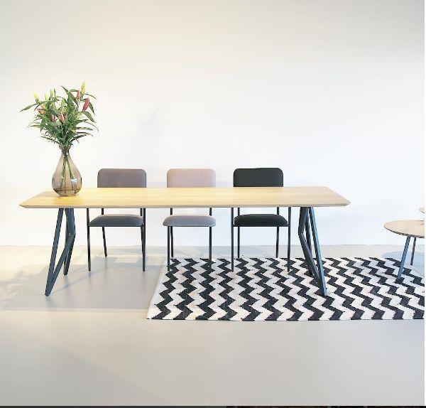 Studio H&K | Design Eettafels Stoelen Eettafelbanken Krukken Wandkasten Salontafels Meubels Butterfly | Butterfly Design Table with Co Design Chairs in Shades of Grey | www.studio-henk.nl