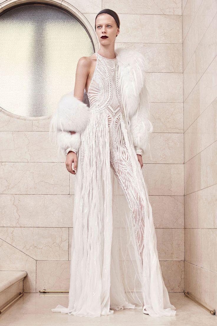 Atelier Versace Fall 2017 Couture Collection Photos - Vogue#rexfabrics #purveyoroffinefabrics #cometousforfashion #passionforfabrics