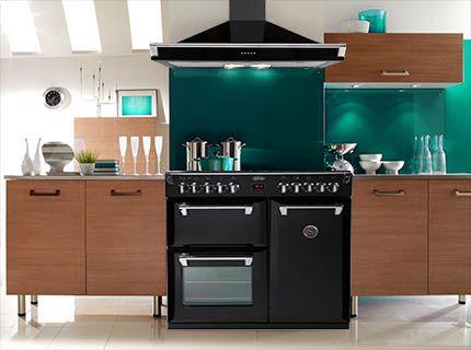 Black Richmond cooker & hood: the most elegant pair!