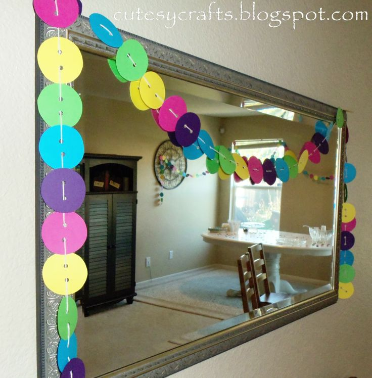button cutout garland