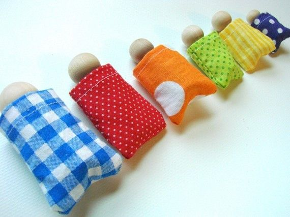 Family Box - wooden dolls are colored on bottom for matching to sleeping bag