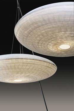 Zen luminaire suspension grand modèle en papier japonais. Céline Wright.