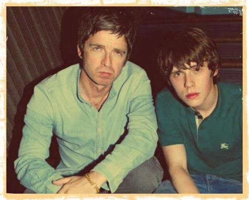 Jake Bugg with Noel Gallagher :3 <3