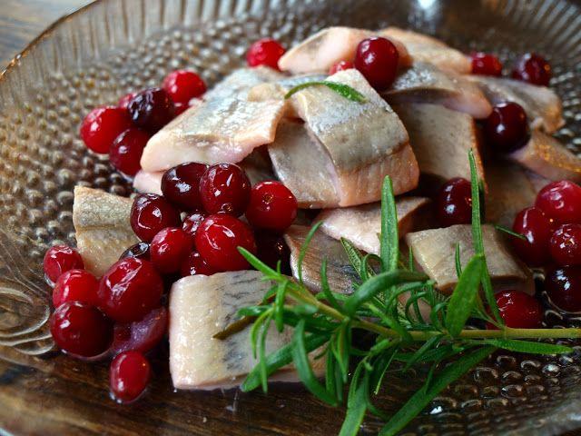 Herrings marinated with Cranberries | Marynowane Śledzie z Żurawiną