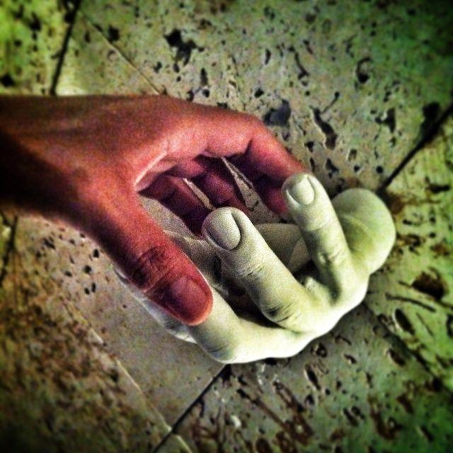 dándome la mano con juan la loca lo MAXIMO