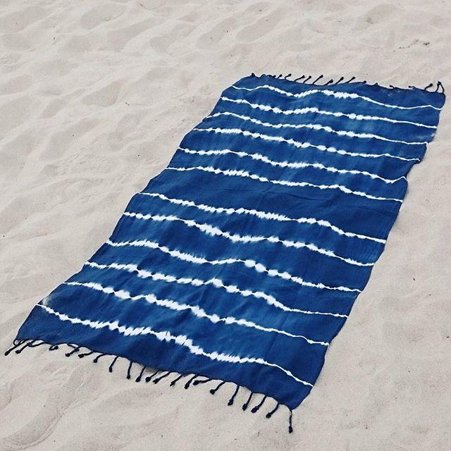 Tie Dye Beachtowel   Batik Handtuch Strandtuch Toalla de playa batik  #handmade #beachlove #summerfun . . . . . . . . . . . . . . . . . . . . . . #beach #beachfun #summerstyle #strand #strandtuch #summervibes #traveltowel #beachlove #reisehandtuch #playa #platja #travel #sommer #easytravel #batik #tiedye #sun #fun #happy #happiness #yoga #blue #summer #sommer #verano #yacht #amstrand #sommerspaß