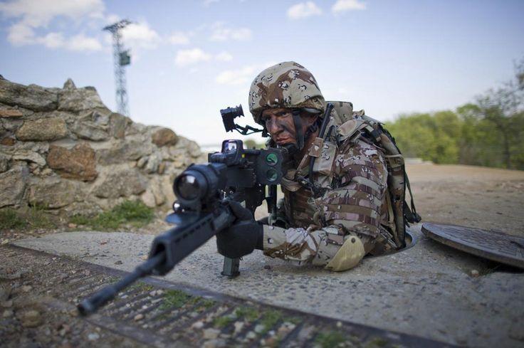 Справжня сила народжується в голові. Вона змушує йти, навіть коли тіло хоче впасти. Беар Гріллс  Настоящая сила рождается в голове. Она заставляет идти, даже когда тело хочет упасть. Беар Гриллс   #military #militarylife #militarystyle #camouflage #camouflaged #tactical #militarygear #outdoorgear #alwaysbeready #travelsmart #masteryourmission #armor #security #protection #armed